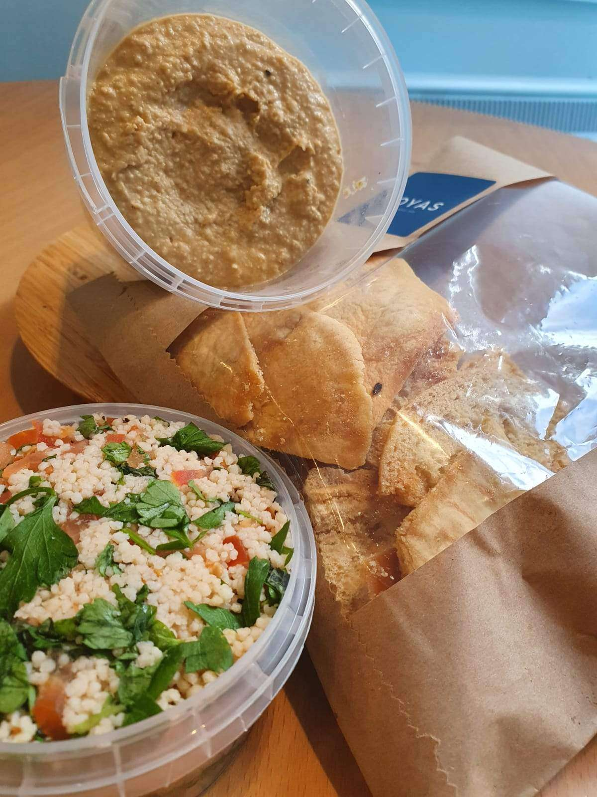 Hummus, Tabbouleh & Pitta Crisps